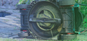 What are the 6 Best Mulching Blades for John Deere?